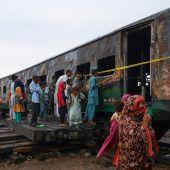 Gaskocher explodiert: 73 Zugpassagiere tot