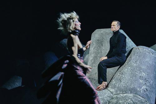 """Mit der """"Hermannsschlacht"""" von Kleist hat der neue Direktor Martin Kusej seine erste Inszenierung im Burgtheater realisiert. APA/Burgtheater/Horn"""