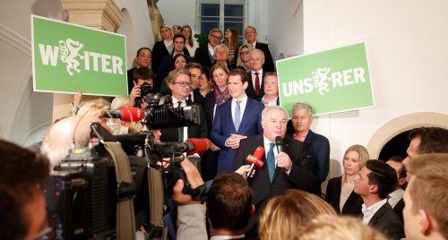 Mit deutlichen Zugewinnen hat die ÖVP von Landeshauptmann Schützenhöfer den ersten Platz erobert. Zur Feier des Tages war Bundesparteichef Kurz angereist. APA