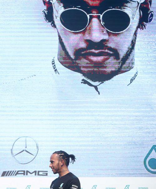 Mit sechs WM-Trophäen und 83 Grand-Prix-Siegen ist Lewis Hamilton auf Schlagdistanz zu Rekordchampion Michael Schumacher (sieben Titel, 91 Siege).Reuters