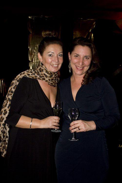 Monika Fritz (l.) und Pharma-Chefin Sonja Jacoby.