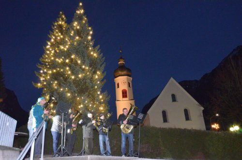 Musikschule und Musikvereine spielen bei vielen Veranstaltungen auf. DOB