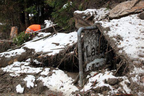 Nach den Unwettern sind in Kärnten noch rund 200 Haushalte ohne Strom. APA