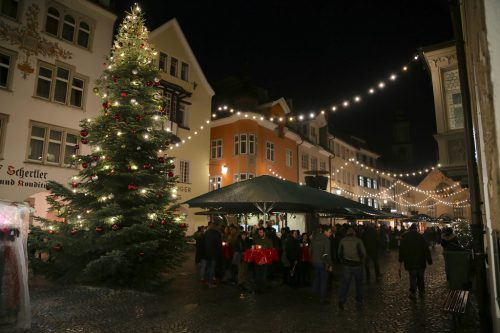 Neben dem Adventmarkt gibt es noch weitere Veranstaltungen. Emir T. Uysal