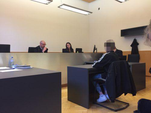 Noch mehr ein Kind als Jugendlicher: der Angeklagte.VN/GS