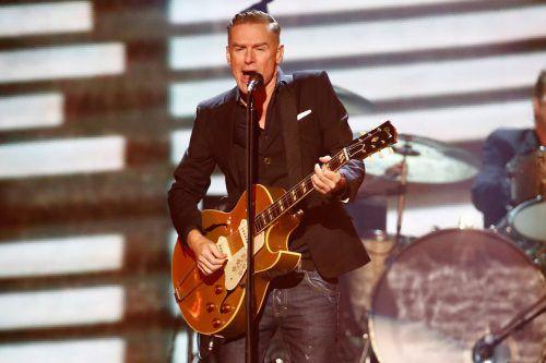 Bryan Adams performte wie hier immer wieder bei wohltätigen Konzerten. Umso mehr überraschte der Coronapost. Reuters