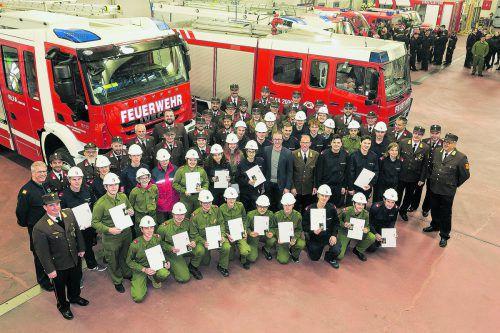 Prüfung mit Auszeichnung bestanden: Überreichung des goldenen Feuerwehrjugend-Leistungsabzeichens. VLK