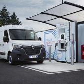Autonews der WocheRenault bietet E-Transporter mit Brennstoffzelle an / Tesla Roadster verspätet sich / Elektro-Jagaur für den Computer