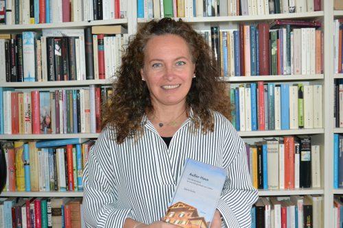 """Sabine Grohs hat mit dem Roman """"Außer Haus"""" ihr Heimweh kompensiert. M. Bischof"""