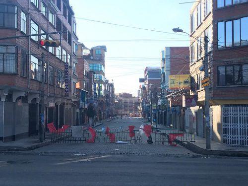 Seit Tagen kommt es zu Protesten. Die Aufnahme zeigt eine Blockade in La Paz, dem Regierungssitz Boliviens. Luisser