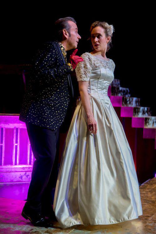 """Stella Roberts und Hubert Dragaschnig in """"Lamm Gottes"""" von Michael Köhlmeier am Theater Kosmos in Bregenz. VN/Paulitsch"""