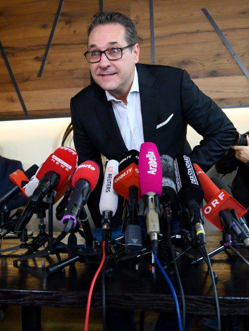 Strache will in die Politik zurück. Die FPÖ-Spitze lehnt sein Angebot ab.AFP