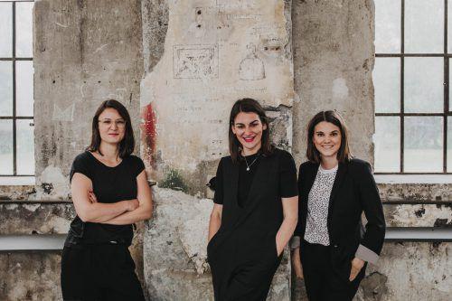 Theresa Bubik, Bettina Steindl und Lisa-Maria Alge, das Kernteam für das 2024-Projekt Dornbirn plus (Dornbirn, Hohenems, Feldkirch, Regio Bregenzerwald). Lamprecht