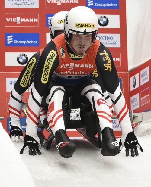 Thomas Steu und Lorenz Koller bangen um den Start beim Weltcupauftakt. Dagegen ist Sprintweltmeister Jonas Müller (r.) fix in Innsbruck-Igls dabei. GEPA