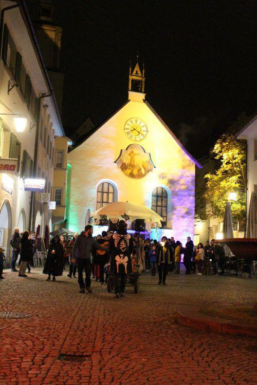 Treffpunkt war die Johanniterkirche, der Ausklang fand in der Bunt-Bar statt.