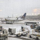 Hunderte Flugausfälle durch Schneechaos