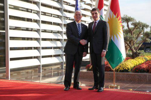 Überraschend traf US-Vizepräsident Pence auf Kurdenführer Barzani. reuters