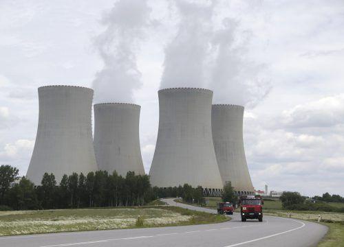 Umweltschützer kritisieren das AKW Temelin als besonders störanfällig. AP