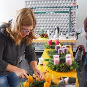 In Viktorsberg wurden Adventkränze selbst gebunden