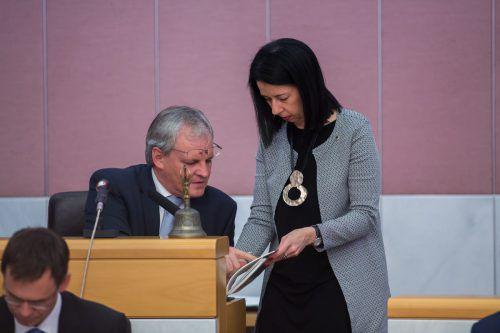 Während sich der Landtagspräsident zu Wort meldet, ist Borghild Goldgruber-Reiner vor allem im Hintergrund tätig, auch während der Landtagssitzungen. VN/steurer