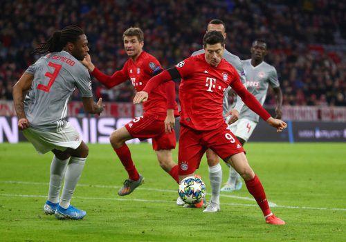 Was täte Bayern München ohne Robert Lewandowski? Der Pole brachte die Münchener mit seinem 21. Saisontreffer auf die Siegerstraße gegen Piräus.Reuters