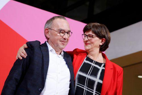 Am Parteitag werden Walter-Borjans und Esken formal ins neue Amt eingesetzt. AFP