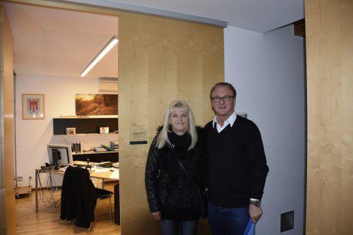 Anna Maria und Friedrich Lins bei der Übergabe der Anmeldung der neuen Liste. ovp