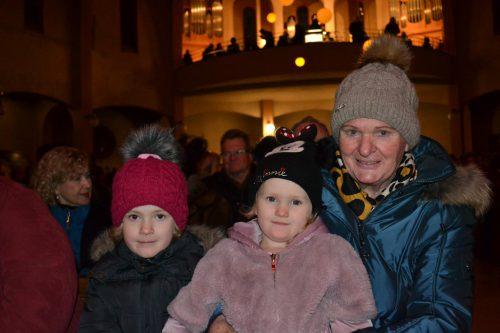 Auch Brigitte Fritz mit Magdalena (l.) und Valentina ließ sich das Konzert nicht entgehen.