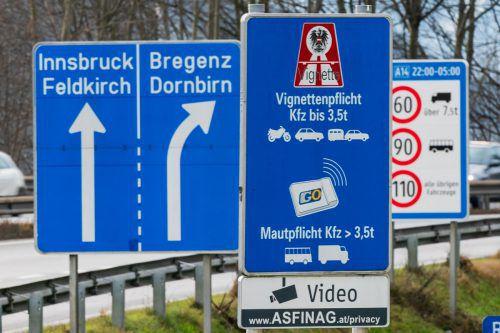 Auf der Autobahnauffahrt in Hohenems muss zukünftig nur noch in eine Fahrtrichtung eine Vignette vorhanden sein. VN/Stiplovsek