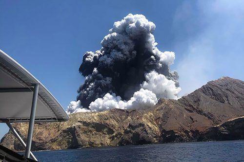 Bei dem Ausbruch von Neuseelands aktivstem Vulkan am Montag kamen nach einer bisher inoffiziellen Bilanz 16 Menschen ums Leben. AFP