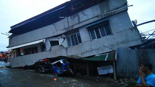 Beim Einsturz eines Supermarkt-Gebäudes starben drei Menschen. AFP