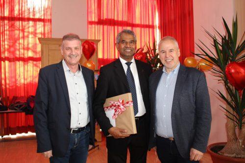 Bürgermeister Anton Metzler, Pfarrer Georg und Bürgermeister Thomas Lampert.he
