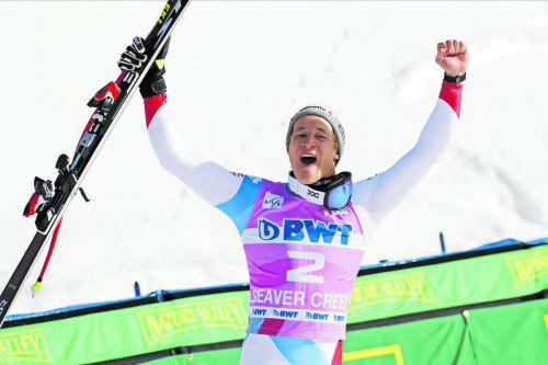 Das Schweizer Ski-Supertalent Marco Odermatt jubelt in Beaver Creek über seinen ersten Triumph im Ski-Weltcup.ap
