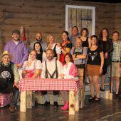 """<p class=""""caption"""">Das Theater-Hörbranz-Ensemble bei der erfolgreichen Premiere im Leiblachtalsaal. chf</p>"""