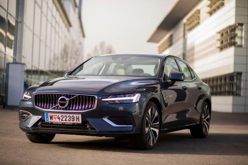 Den Volvo S60 gibt es mit Benzinmotoren und als Plug-in-Hybrid. Wir sind die Top-Version mit 390 PS Leistung gefahren.VN/Paulitsch