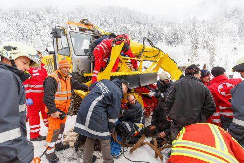 Der Arbeitsunfall ereignete sich gegen 10.45 Uhr, die Bergungsarbeiten gestalteten sich als äußerst kompliziert. Hofmeister