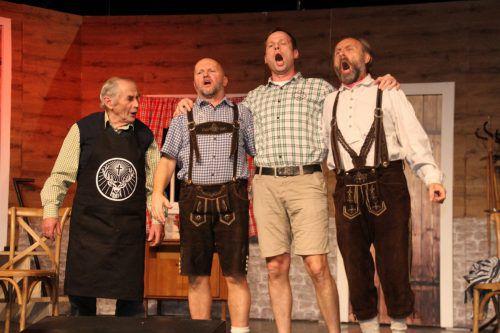 """Der Ausflug der Ehemänner in die Nobeldisco """"Hangover"""" sorgt für große Probleme. theater hörbranz"""