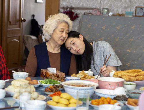 Der Film über eine chinesische Familie, die trauert, während sie feiert, ist einer der Filme des Jahres. ap