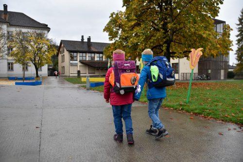 Die Aktion Schoolwalker soll die Kinder dazu animieren, den Schulweg zu Fuß oder mit dem Fahrrad zurückzulegen.MArktgemeinde