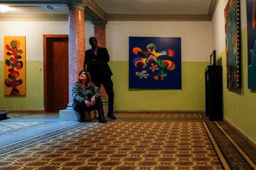 Die denkmalgeschützte Villa bietet dem Künstlerpaar großzügige Ausdrucks- und Ausstellungsmöglichkeiten. Michael Kreyer