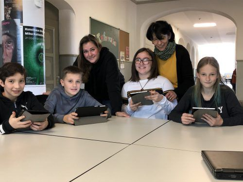Die Drittklässler der Mittelschule Bregenz-Stadt sind digital gut drauf. VN/Hämmerle