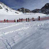 Umweltschützer protestierten gegen Tiroler Gletscherehe