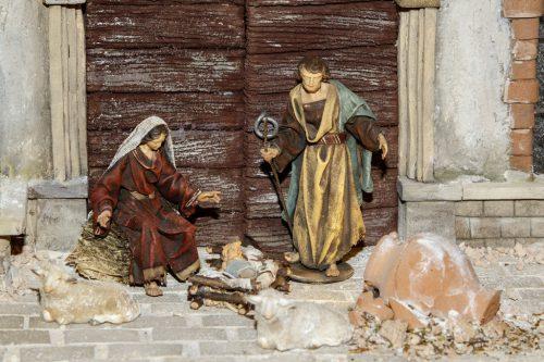 DIe heilige Familie im Stall, das Jesukind in der Krippe – der Inbegriff von Weihnachten. Aber auch die Mette gehört für viele zum Heiligen Abend dazu. Welte
