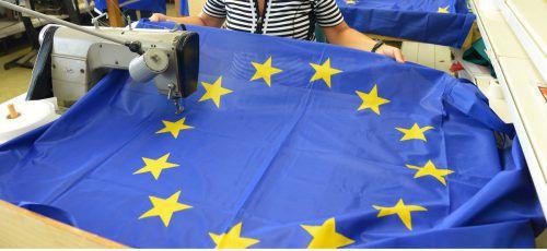Die höchste Zustimmung hat die EU bei den Unter-25-Jährigen (63 Prozent).DPA