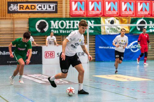 Die Juniors aus Altach (Bild aus dem Auftaktspiel gegen Alberschwende) stürmten in das Finale beim Hallenmasters.VN-Stiplovsek
