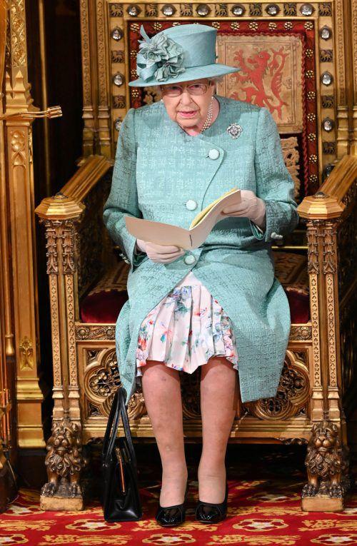 Die Königin verlas Johnsons Regierungserklärung. reuters