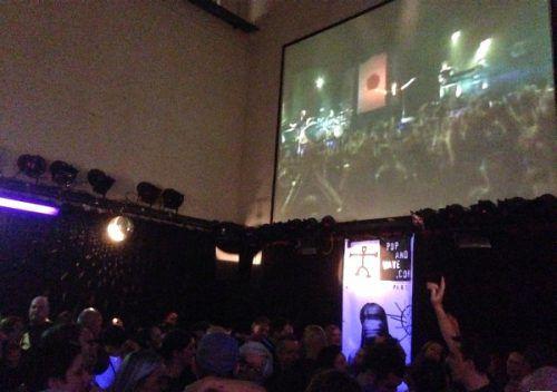 Die Pop & Wave Partycrew sorgt am Christtag für gute Laune und heiße Tanzsohlen in der Spielboden-Kantine.                              www.popandwave.at