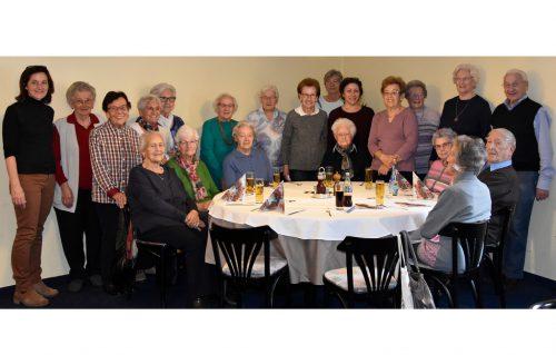 Die Senioren ließen es sich auch – und vor allem – zum zehnjährigen Bestandsjubiläum des Mittagstisches schmecken.Marktgemeinde