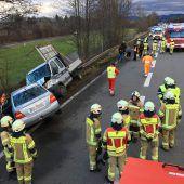 Großeinsatz nach Unfall auf der Autobahn