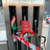 Den falschen Zapfhahn erwischt: Tankschlauch weggerissen